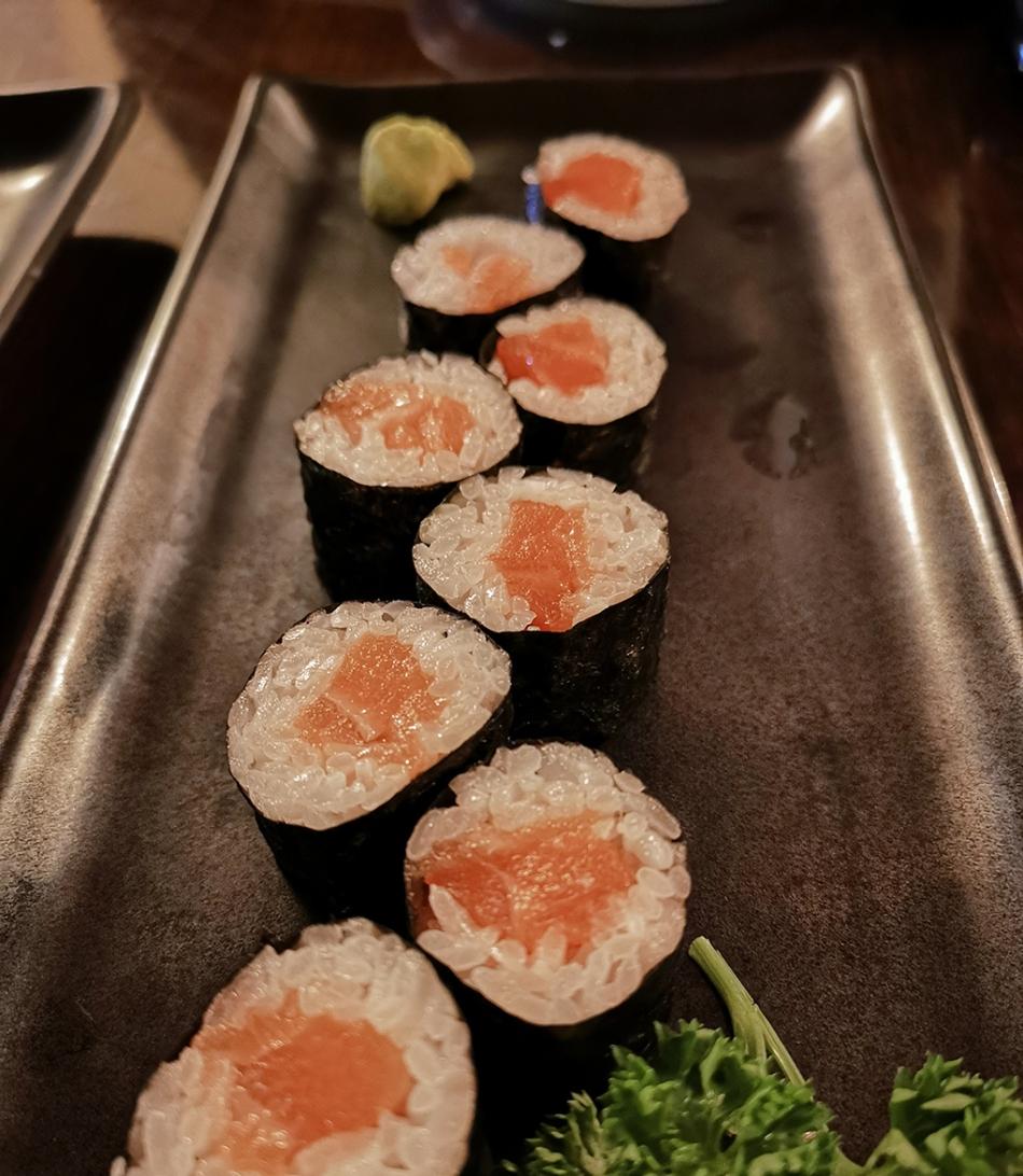 kibuka salmon maki