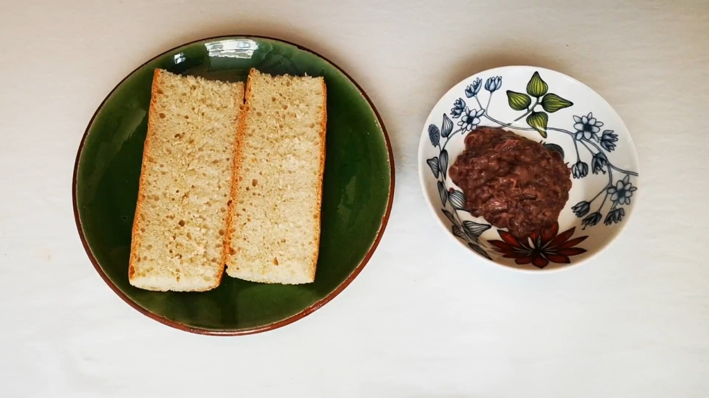 molletes bread and beans
