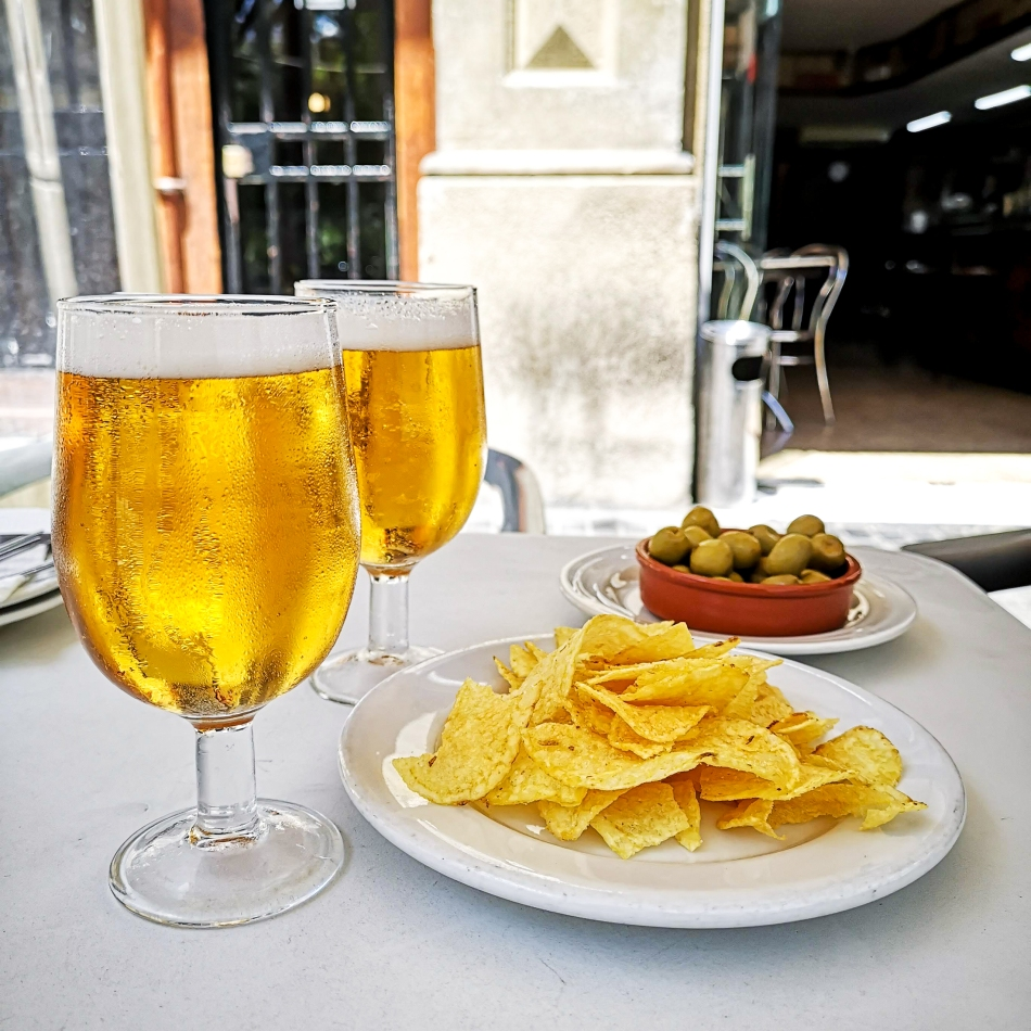 Bagoa Olives and Chips.jpg